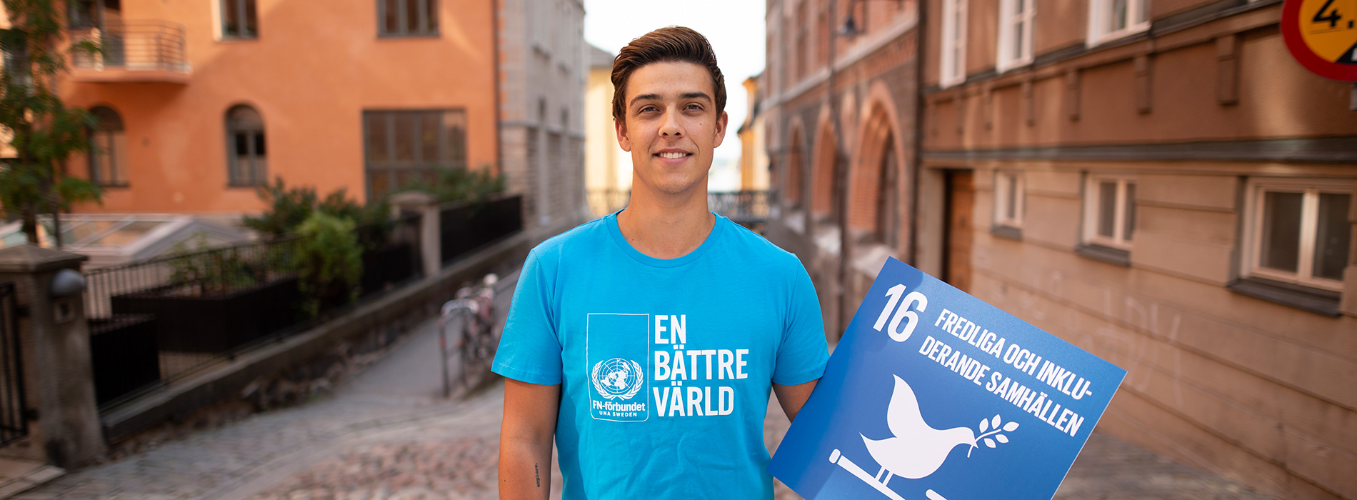 Elias Aspudd, ungdomssekretarere, uppmanar alla att rösta