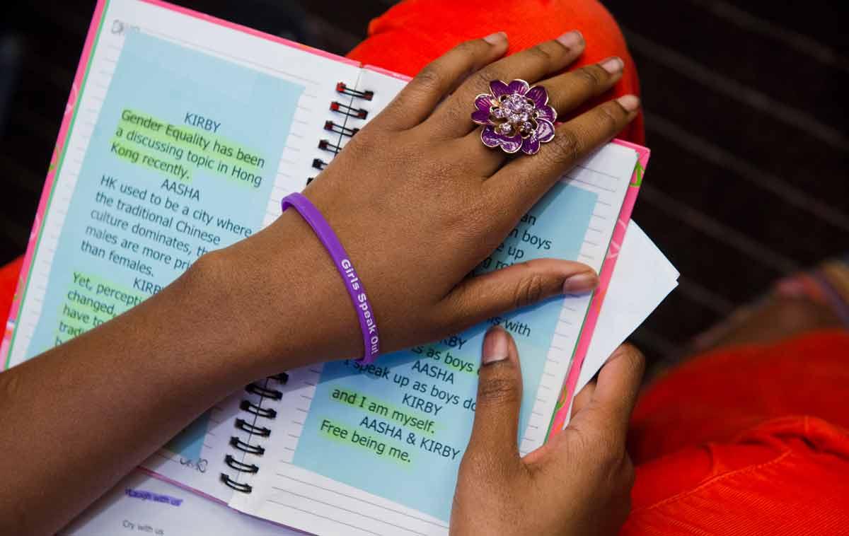 Barnkonventionen ska skydda flickor och unga kvinnor från att giftas bort. Foto: UN Photos
