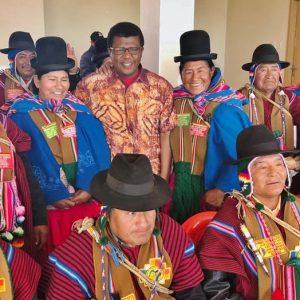 Dereje Wordofa, UNFPA, besöker en by i Bolivia