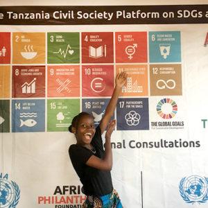 Jennifer och de globala målen. Foto: Jane-Ange Musekura