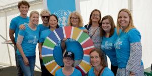 Personal på Svenska FN-förbundet lyfter Agenda 2030 på Järvaveckan.