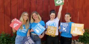 De internationella praktikanterna Fredrika, Linn, Erika och Åsa